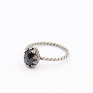 Gem Kingdom - Lizzy Ring Black Spinel Z2