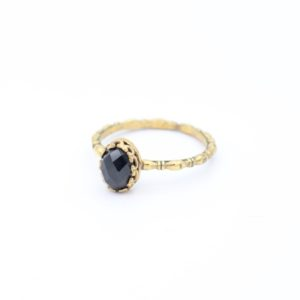 Gem Kingdom - Lizzy Ring GP Black Spinel 02
