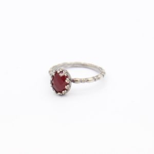 Gem Kingdom - Lizzy Ring Garnet Z